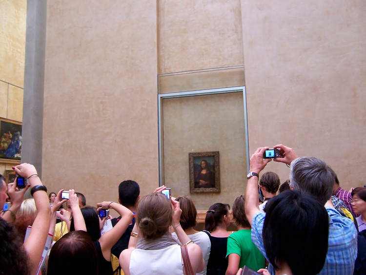 Connecting with Mona Lisa in Louvre | Introduction for Art Investors