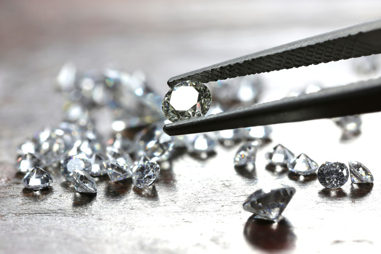 Understding the 4 cs of diamonds