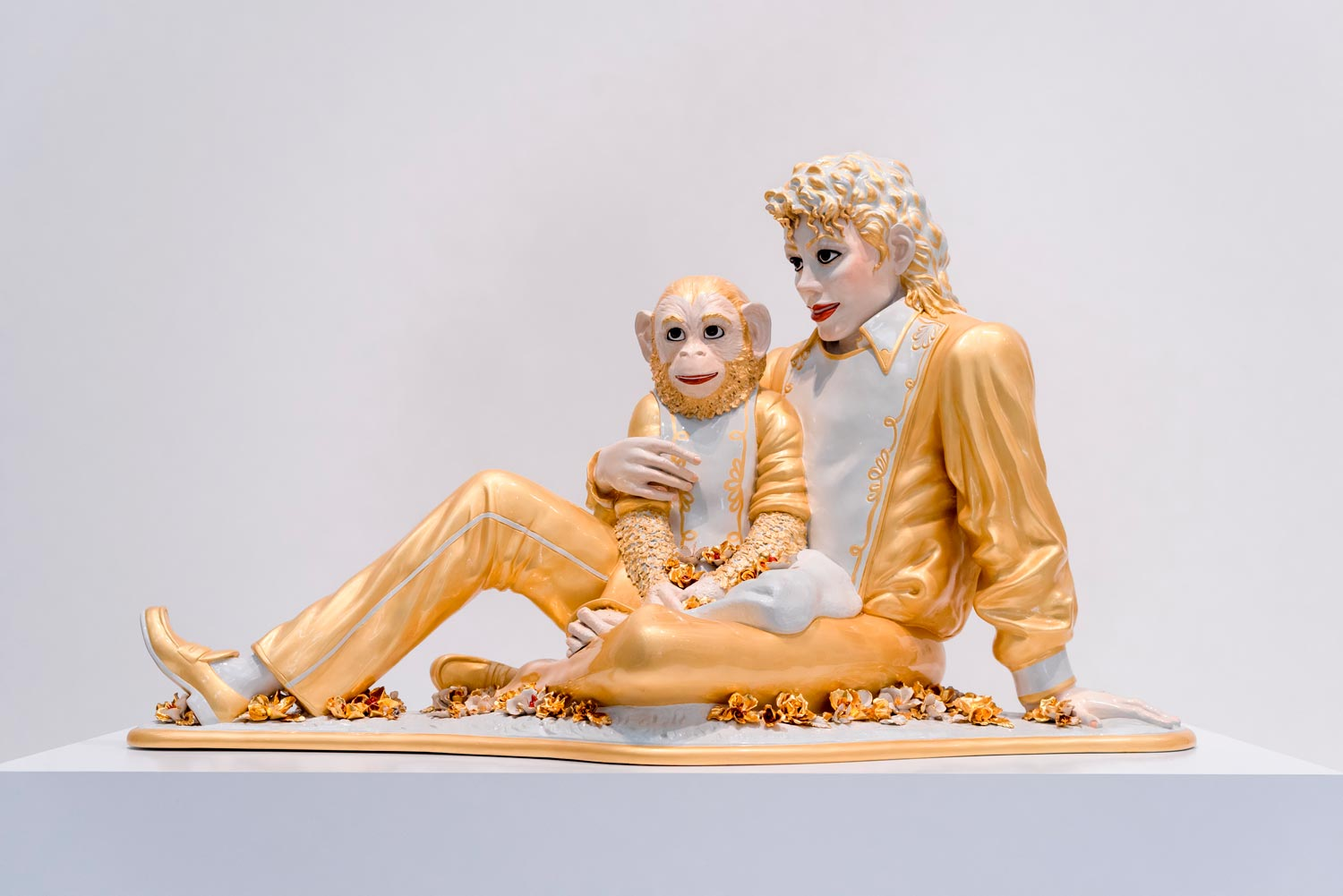 Michael Jackson and Bubbles by Jeff Koons, the most expensive contemporary artist