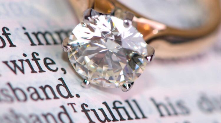 How to Choose Diamond and Engagement Ring